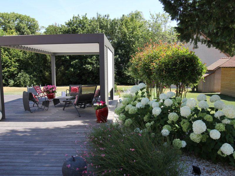 pergola camargue marque RENSON et jardin