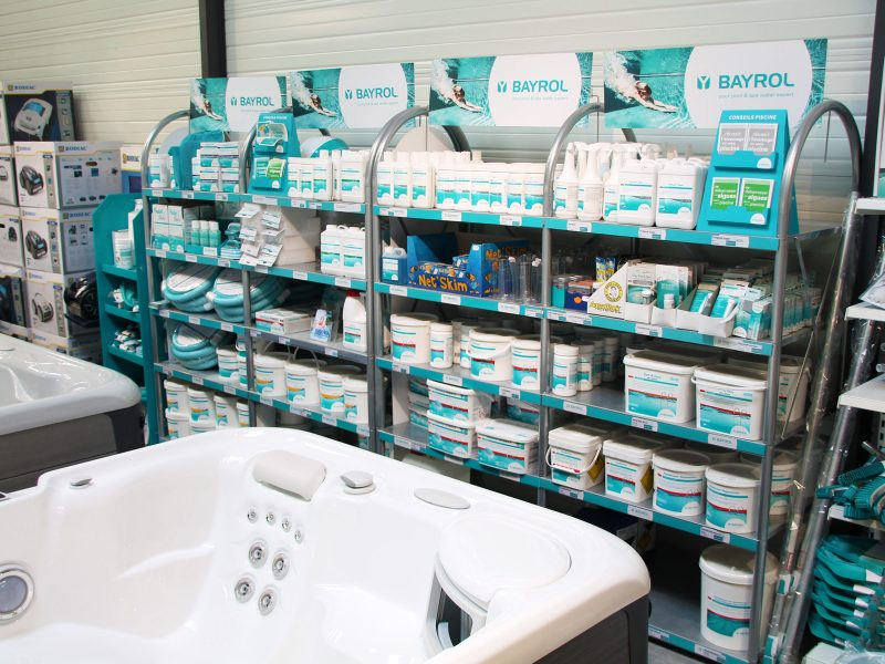 Rayonnage produits piscine adh paysages